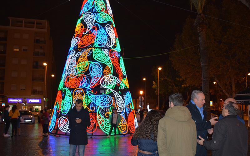 San roque ya luce iluminaci n y ornamentaci n navide as for Ornamentacion para navidad