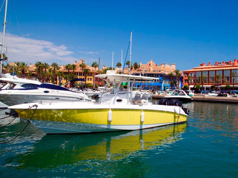 Puerto deportivo de Sotogrande, en San Roque (andalucia.org)