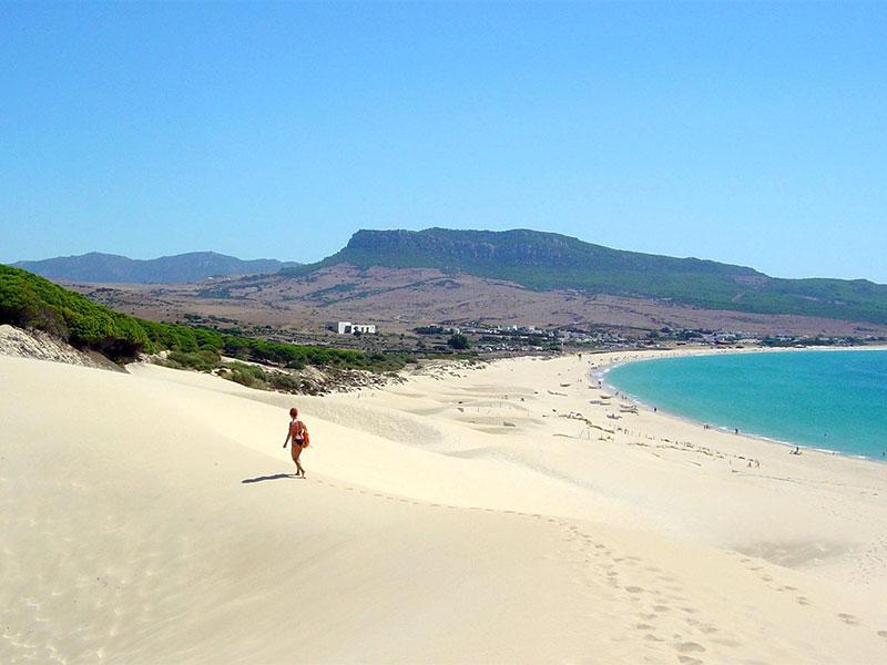 Playa de Bolonia, en Tarifa (Cádiz Turismo)