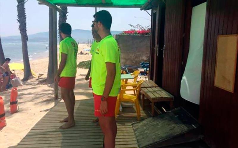 Los-Barrios-socorristas-playa-de-Palmones