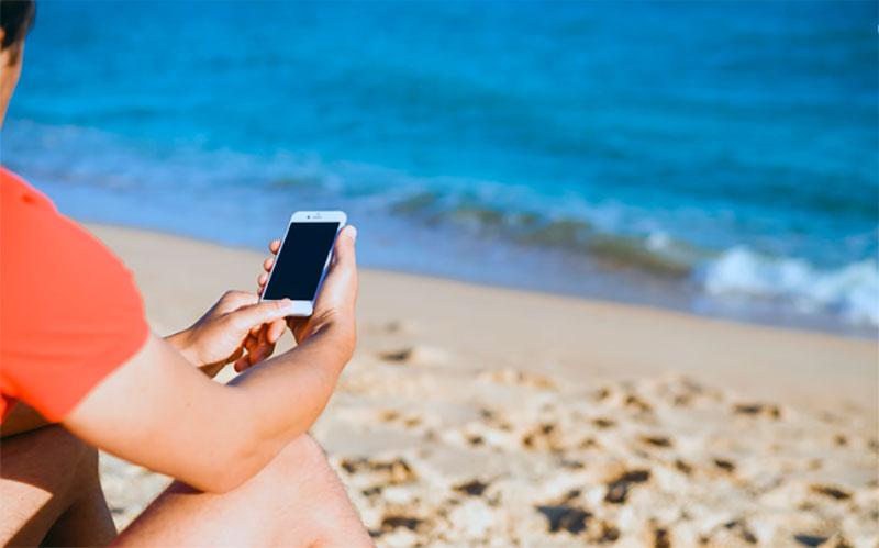 verano-redes-sociales-vacaciones-TecnoHotel