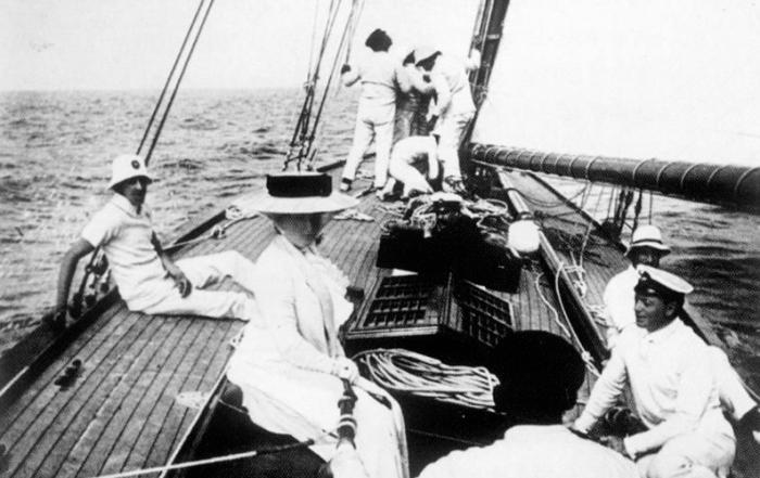 barco-Hispania-1
