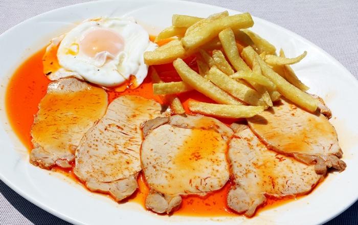 Monplamar Venta Pinto lomo huevo patatas fritas