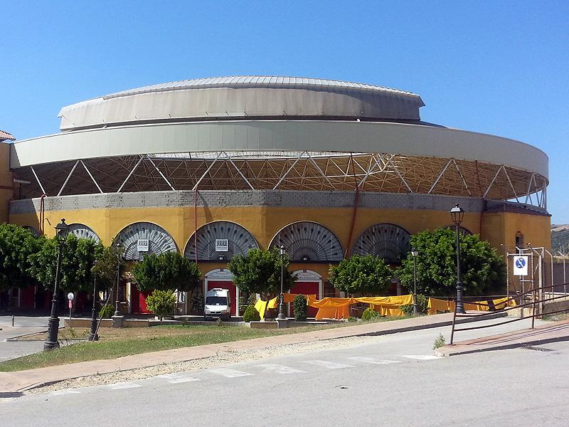 Monplamar-plaza-de-toros-Los-Barrios