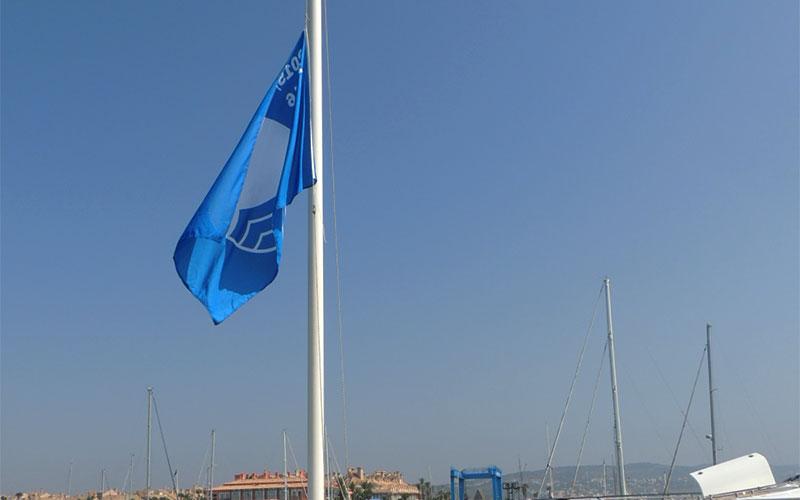 bandera-azul-Puerto-de-Sotogrande-2