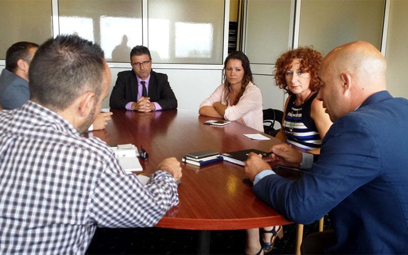 La-Línea-reunión-Ayuntamiento-hoteles