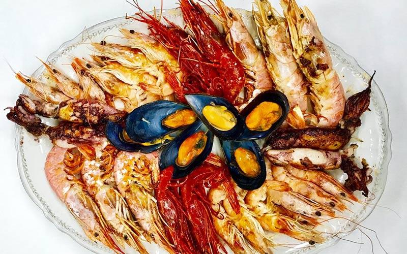 Los-Barrios-restaurante-El-Campanario-Al-Andalus-surtido-de-mariscos