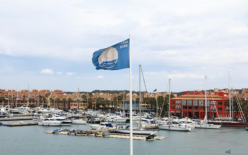 Monplamar-Sotogrande-San-Roque-bandera-azul