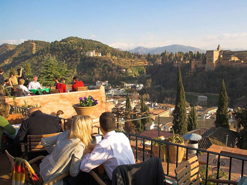 Granada y su Alhambra nazarí (Junta)