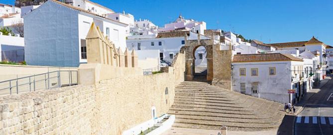 Medina-Sidonia-Arco-de-la-Pastora-foto-de-Rafa-Frias-blog-Viajes-con-Humor