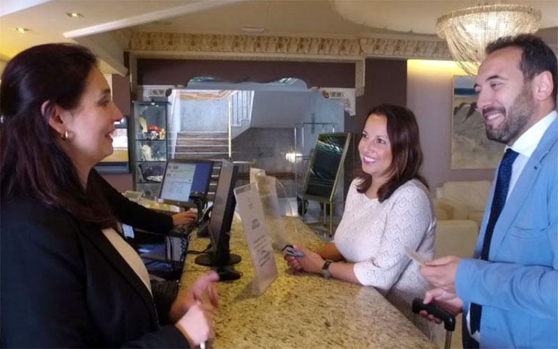 turistas-hotel-foto-de-Junta-de-Andalucia