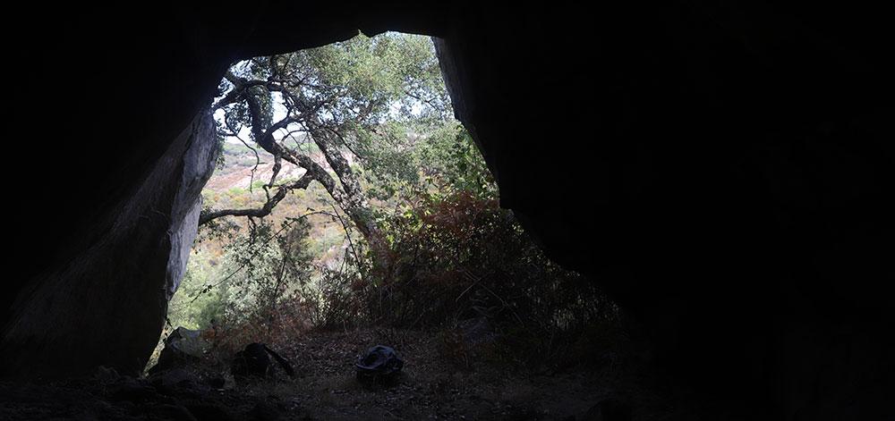 Jimena-de-la-Frontera-Cueva-del-Contrabandista-foto-de-Arte-Sureño-pr