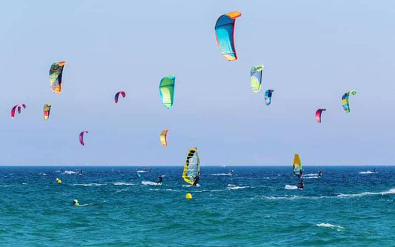 playa-de-Valdevaqueros-surf-foto-de-Jose-Maria-Caballero