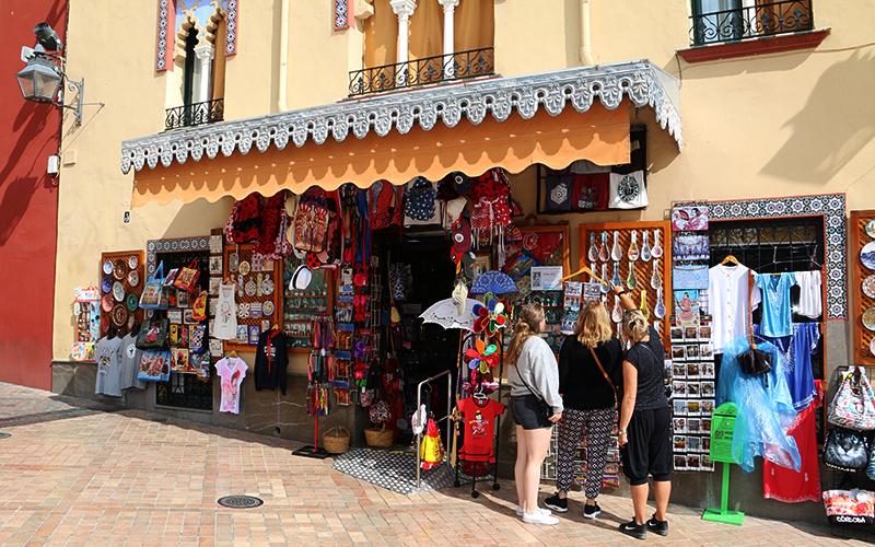 Monplamar-turistas-artesania