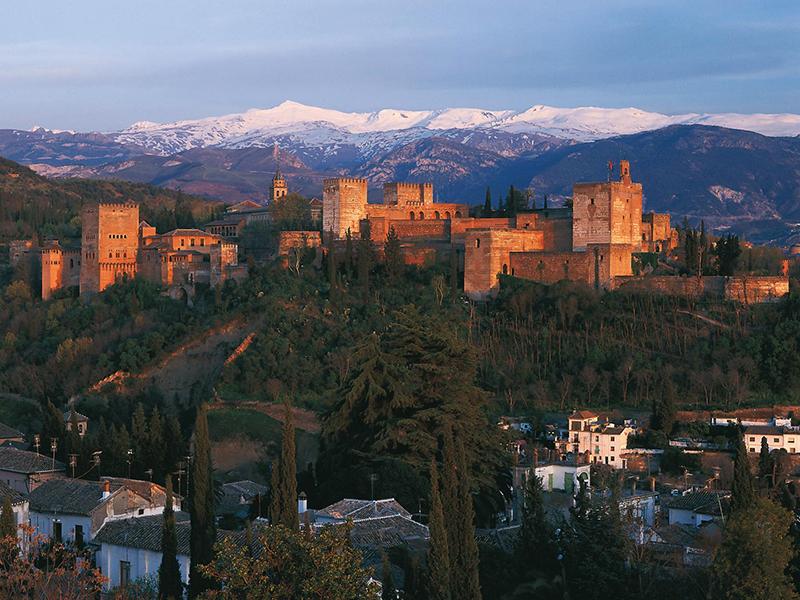 Granada-La-Alhambra-foto-de-Mincotur