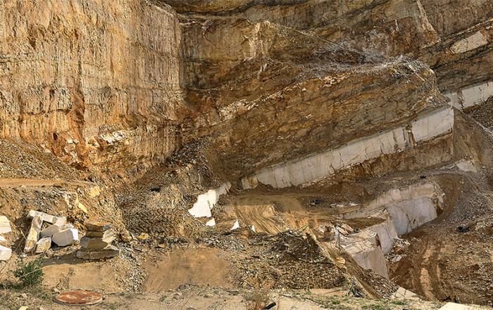 cantera-de-marmol-foto-de-Costa-de-Almeria