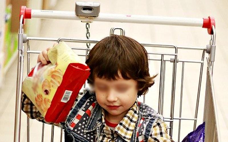 niño-supermercado