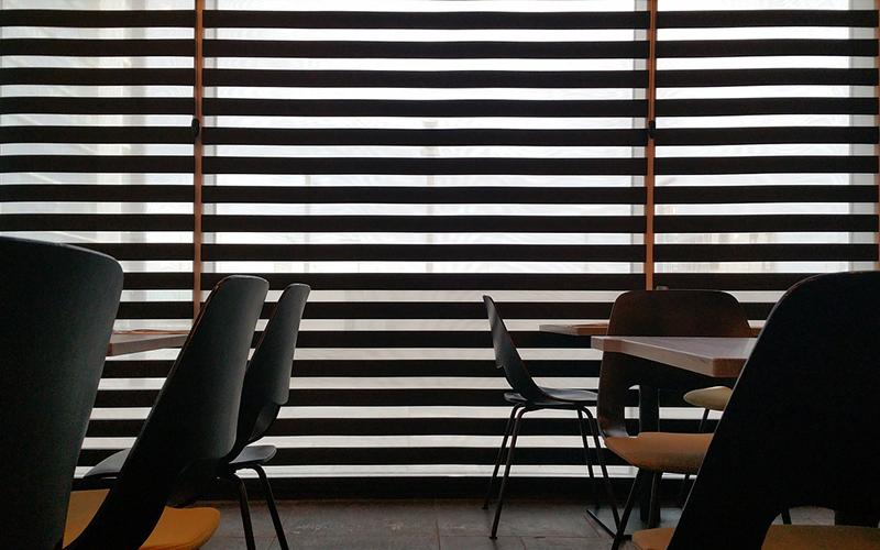 restaurante-vacio-de-publico