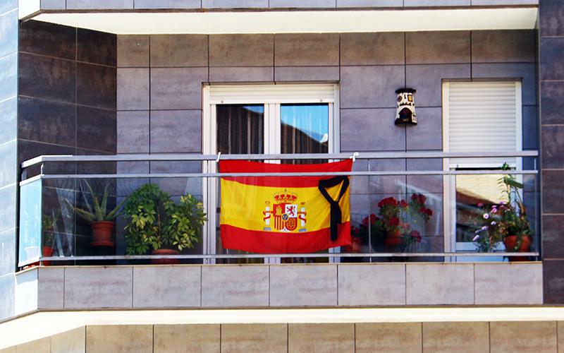 Monplamar-luto-en-España-por-Covid-19