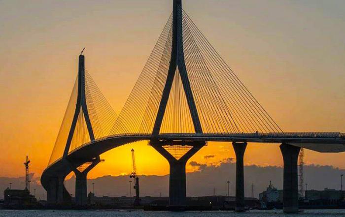 Puente-de-la-Constitución-de-1812-foto-de-Turismo-de-Cádiz