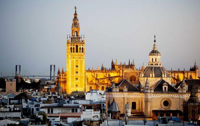 Sevilla-Catedral-Giralda-foto-de-andalucia.org